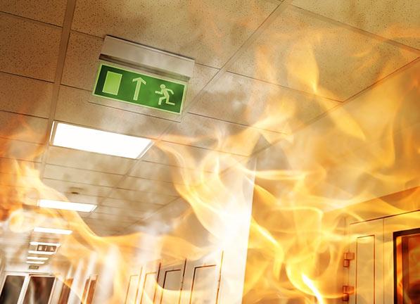 Señalización de emergencia y evacuación de edificios